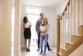 3 reasons to ask questions on viewings and how to motivate yourself to do it